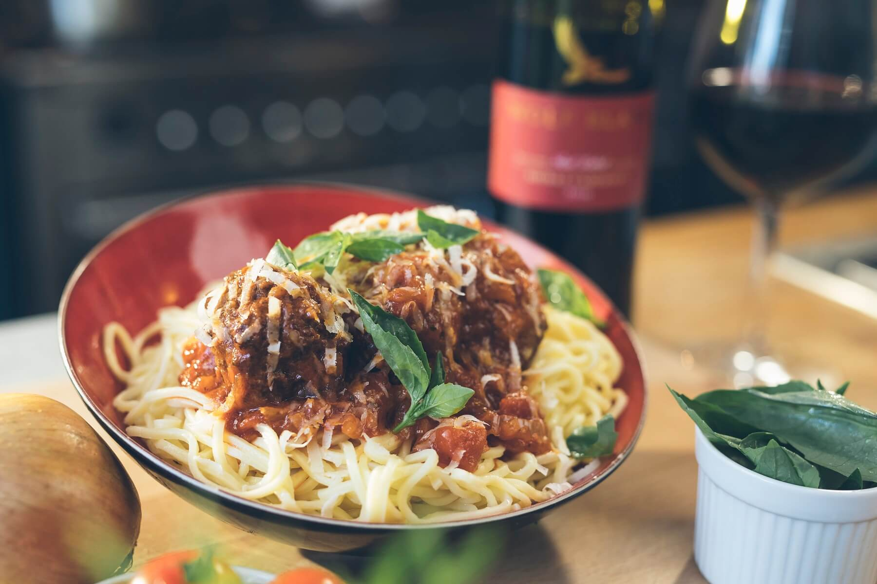 Meatballs with parmesan and spaghetti